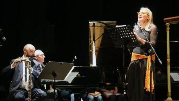 IL PICCOLO PRINCIPE Poema Musicale di A. De Saint-Exupery - Voce Recitante CHATERINE SPAAK Flauto MASSIMO MERCELLI Pianoforte CORRADO DE BERNART
