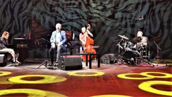 PAOLI CANTA PAOLI - RITA MARCOTULLI pianoforte - ARES TAVOLAZZI contrabbasso - ALFREDO GOLINO batteria