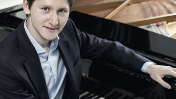 Pianista EMANUIL IVANOV