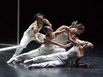 Al Teatro Piccinni Aterballetto in 'Bach Project'