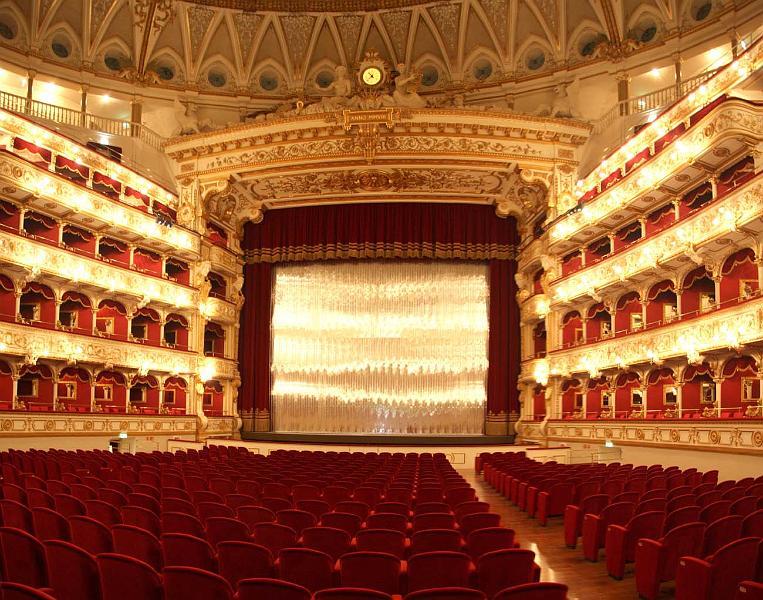 Teatro Petruzzelli Bari